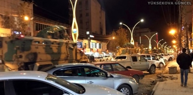 Yüksekova'dan Irak sınırına askeri sevkiyat