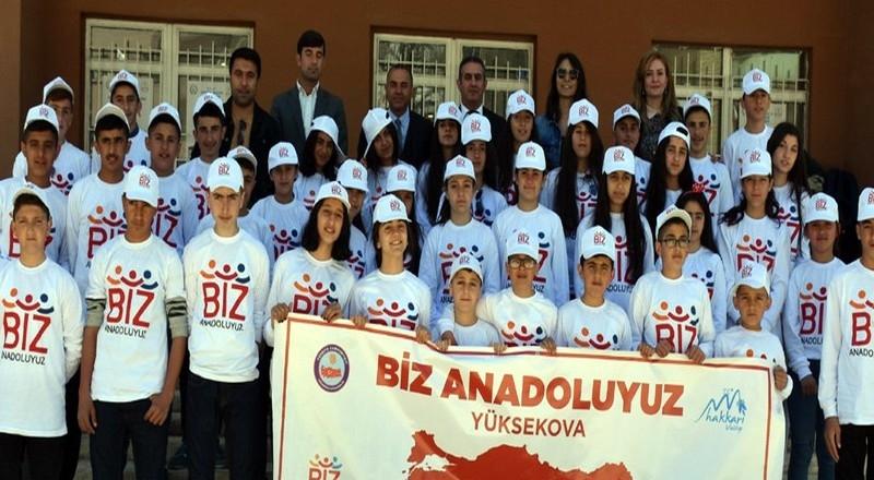 Yüksekovalı 150 öğrenci İstanbul'a gönderildi