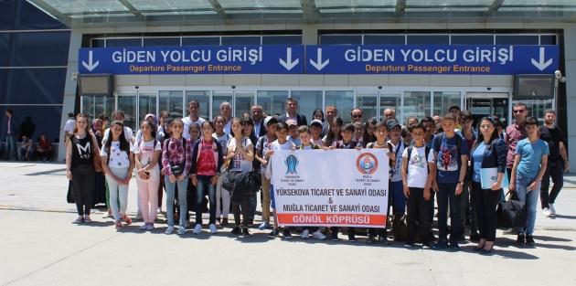 Yüksekovalı 40 Öğrenci Gezmek için Muğla'ya gitti