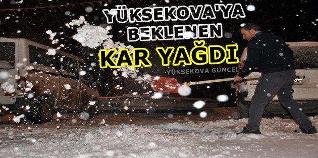 Yüksekova'ya Beklenen Kar Yağdı