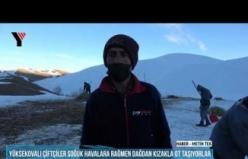 Yüksekovalı Çiftçiler Soğuk Havalara Rağmen Dağdan Kızakla Ot Taşıyorlar