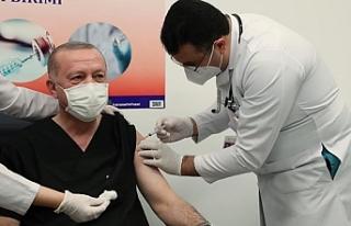Cumhurbaşkanı Erdoğan Covid-19 aşısının ikinci...