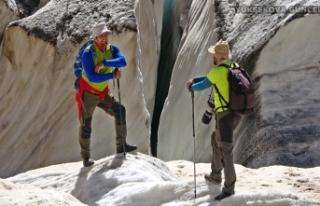 Yüksekova Cilo Dağlarındaki 20 bin yıllık buzullar...