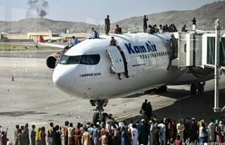 Kabil Havalimanı'nın dışında patlama: 60'dan...