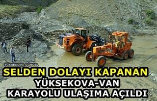 Selden Dolayı Kapanan Yüksekova-Van Karayolu Ulaşıma...
