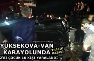 Yüksekova-Van Karayolunda Trafik Kazası: 2'si...