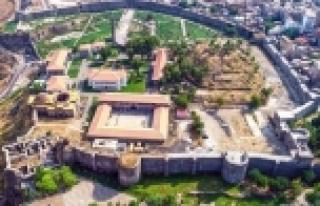 Diyarbakır surları restorasyonu Meclis'e taşındı