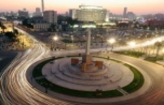 Sisi'nin 'yeni Tahrir Meydanı' projesine tepki: Halka...
