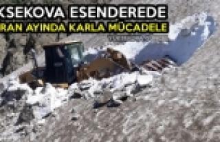 Yüksekova Esenderede Haziran Ayında Karla Mücadele