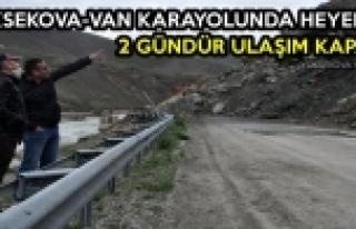Yüksekova-Van Karayolunda Heyelan: 2 Gündür Ulaşım...