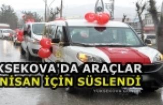 Yüksekova'da Araçlar 23 Nisan İçin Süslendi