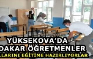 Yüksekova'da Fedakar Öğretmenler Okullarını...