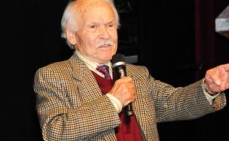 Yazar Muzaffer İzgü hayatını kaybetti