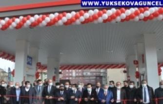 Yüksekova'da 'Total' Adlı Benzin İstasyonu Açıldı