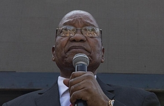 Güney Afrika'da eski devlet başkanı Zuma'ya 15 ay hapis cezası