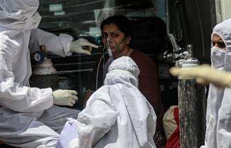 Endonezya'da oksijen krizi: 60'tan fazla Covid hastası öldü