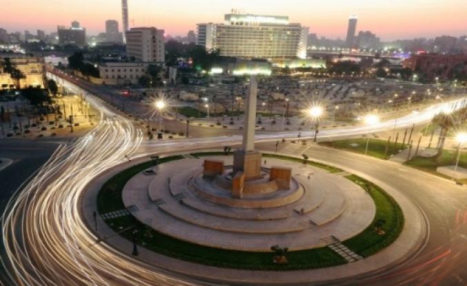 Sisi'nin 'yeni Tahrir Meydanı' projesine tepki: Halka yabancılaştırıldı