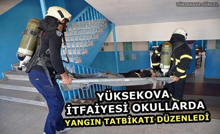 Yüksekova İtfaiyesi Okullarda Yangın Tatbikatı Düzenledi