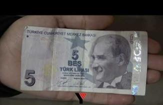 Yüksekovalı Genç, Hatalı Basılan 5 Lirayı 25 Bin Tl'ye Satışa Çıkardı