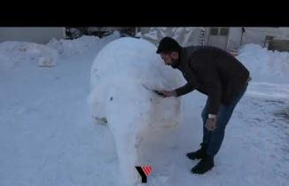 Yüksekovalı Gençler Kardan Fil Yaptı